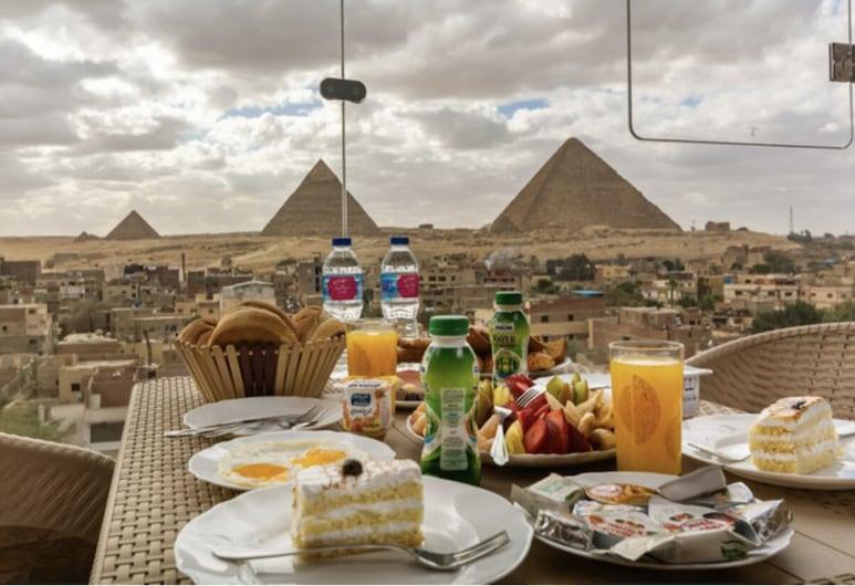 3 Pyramids View Inn, Giza, Terrace/Patio