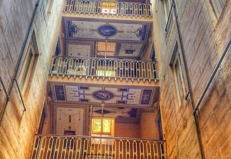 Leone X Genova, Genova, Ingang van hotel