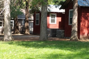 Foto van Historic Red Smarthouse-King-Walk Dwtn in Klamath Falls
