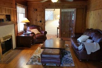 Foto van Historic Smarthouse Charming Comfy King in Klamath Falls