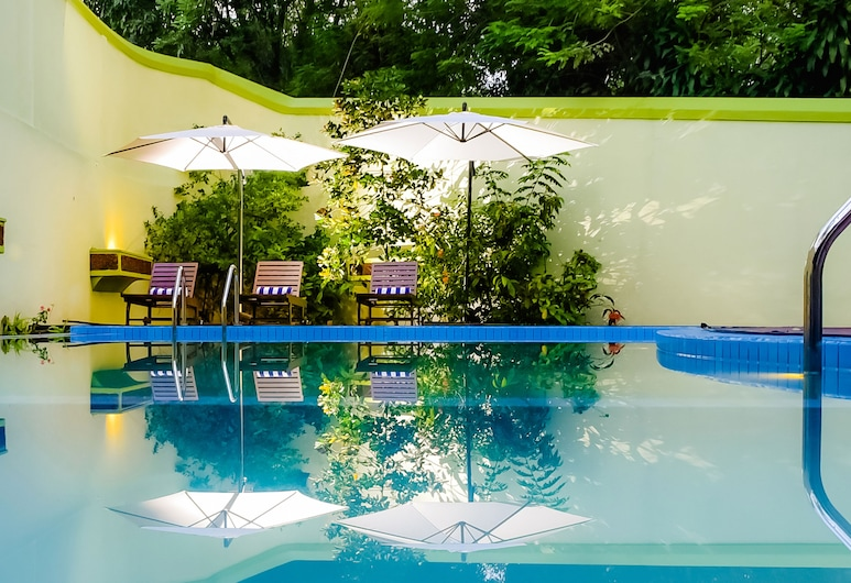 Airavata Boutique Resort, Kandy, Útilaug