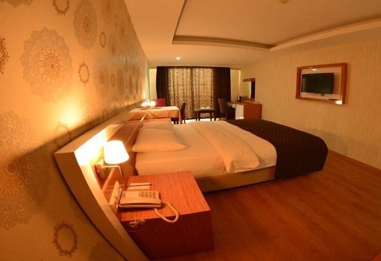 Bayazit Hotel, Iskenderun, Double Room, Bilik Tamu