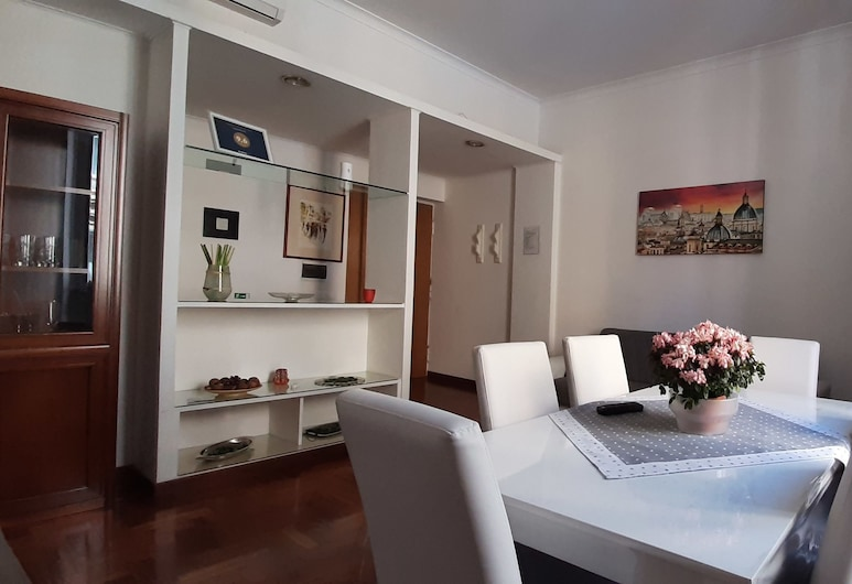Vespasiano 49, Rome, Apartment, 2 Bedrooms, Living Area
