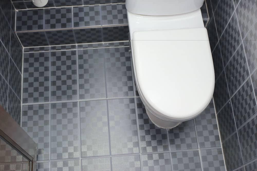 2 Single Rooms - Bathroom