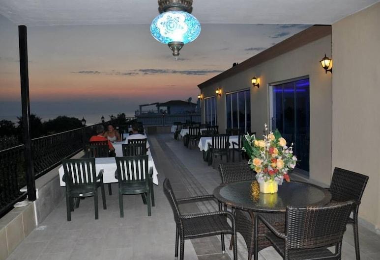 海灘路飯店, 賽德, 露台