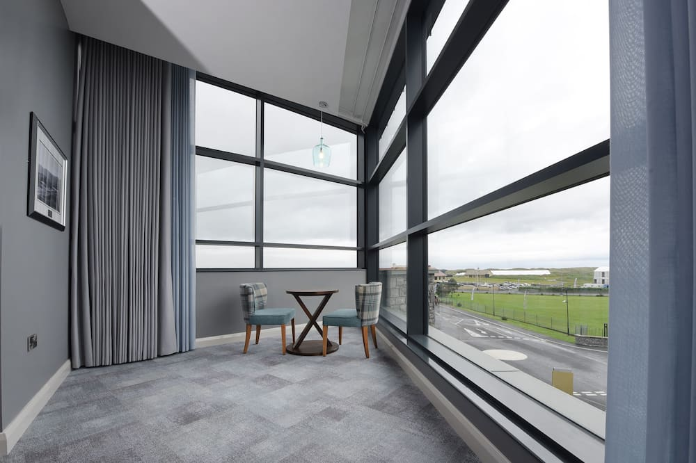 Kamar Double Khas, 1 Tempat Tidur Double, pemandangan laut terbatas, lantai eksekutif - Pemandangan lapangan golf