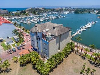 新巴亞爾塔班德拉斯濱海套房酒店的圖片