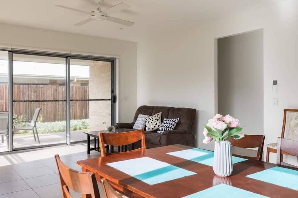 Familie huis, 4 slaapkamers, keuken, Hoek - Woonruimte