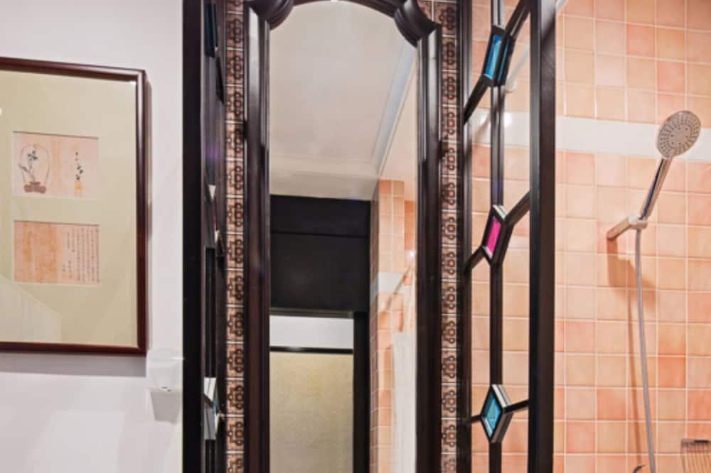 Standartinio tipo dvivietis kambarys (2 viengulės lovos) - Vonios kambario kriauklė