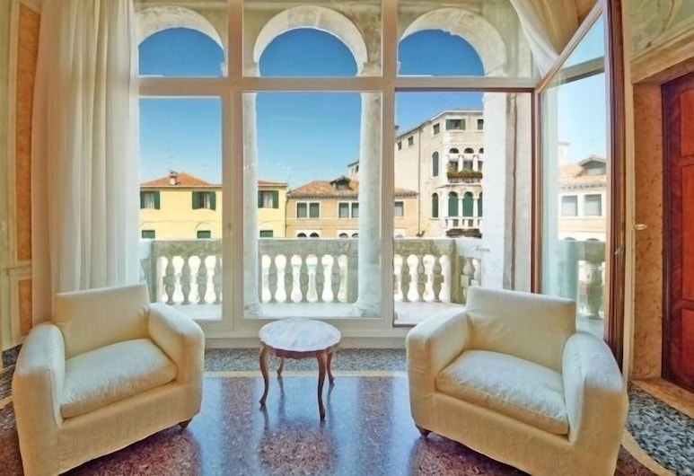 Luxury Balcony Apartment, Venedig, Luxury-Apartment, Wohnbereich