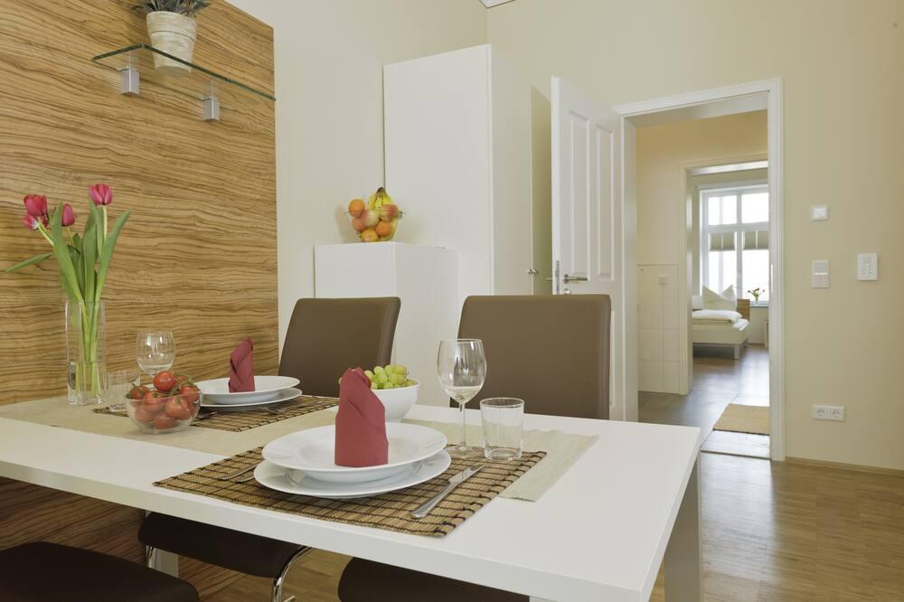 Apartamentai (26) - Vakarienės kambaryje