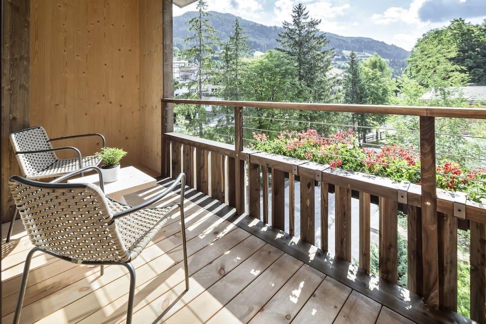 Habitación doble superior, 1 cama doble, para no fumadores, vista al jardín - Balcón