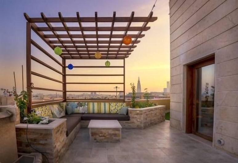 Mira Trio Hotel - Riyadh - Al Tahlia, Riyadh, Ambassador Suite, Terrace/Patio