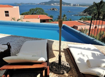 Enter your dates to get the Ixtapa hotel deal