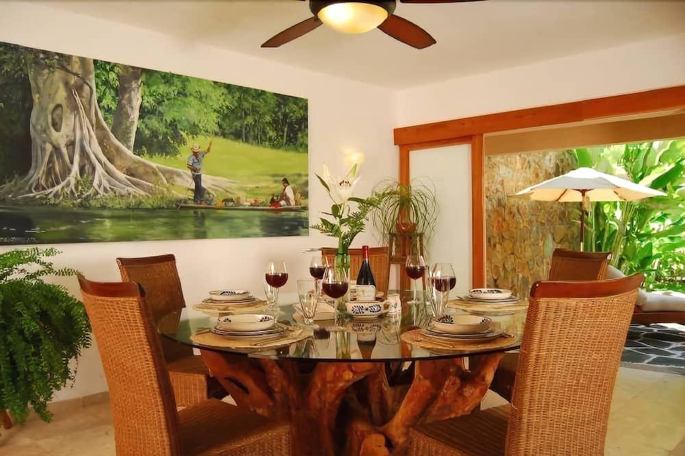 Byhus – family, 5 soverom, utsikt mot hav - Bespisning på rommet