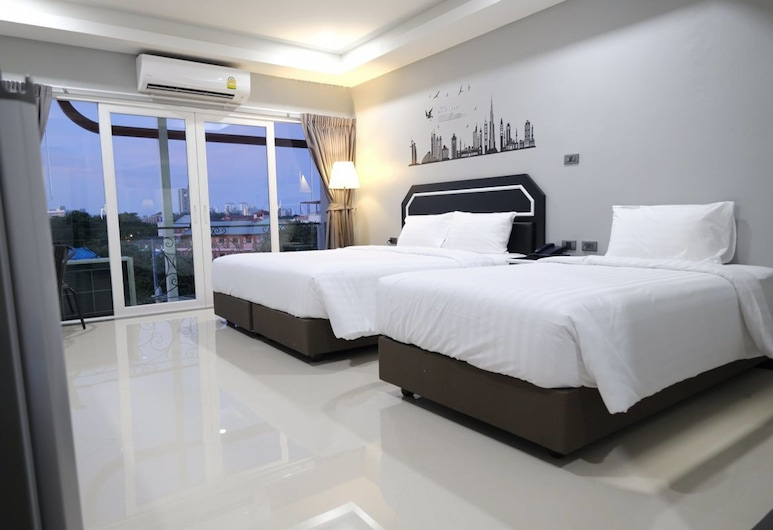 The Tung, Pattaya, Triple Room, Multiple Beds, Guest Room