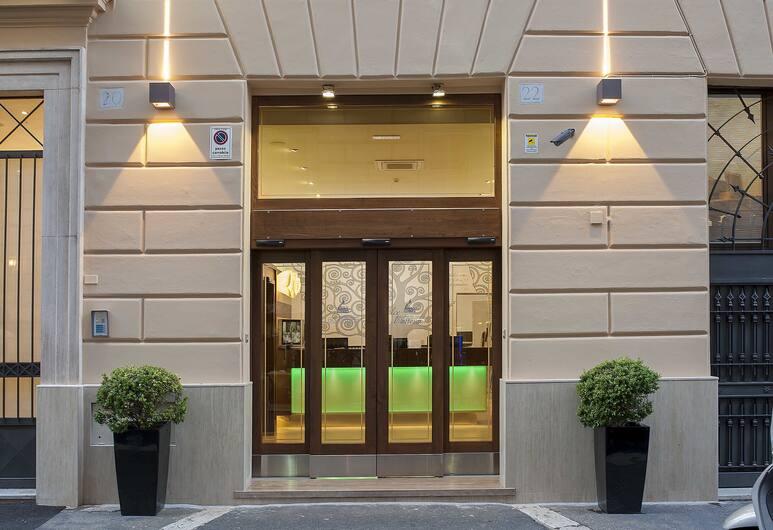 Carlito Budget Rooms, Rome, Exterior