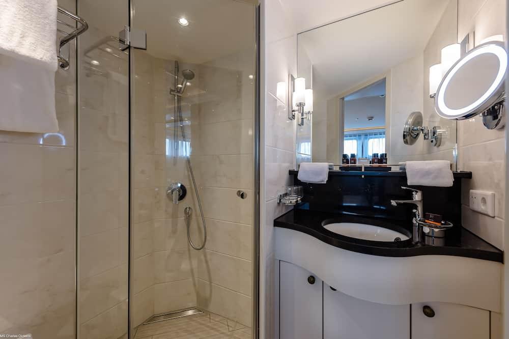 Comfort Double or Twin Room, 1 Queen Bed, River View - Bathroom