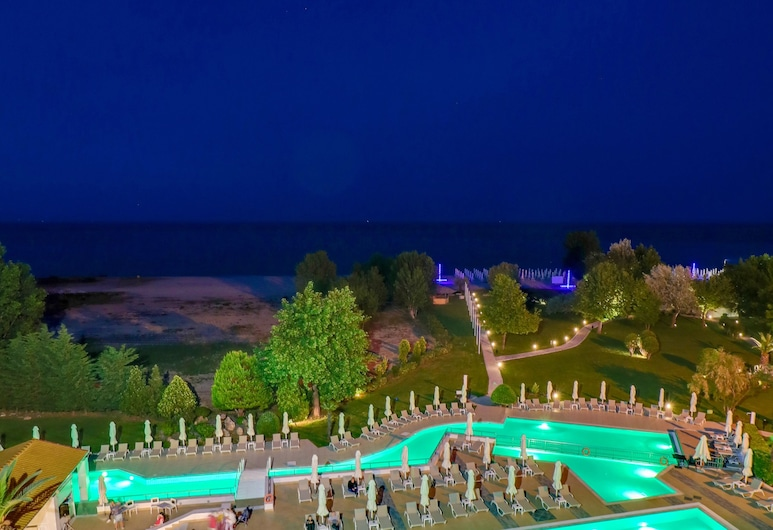 Bomo Olympus Grand Resort, Dio-Olympos, Lauko baseinas