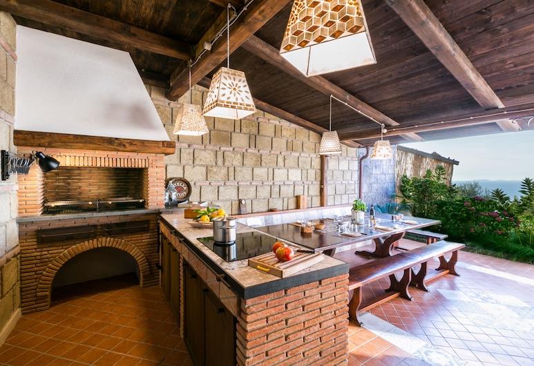 Belvedere Luxury Villa, Sorrento, BBQ/Picnic Area