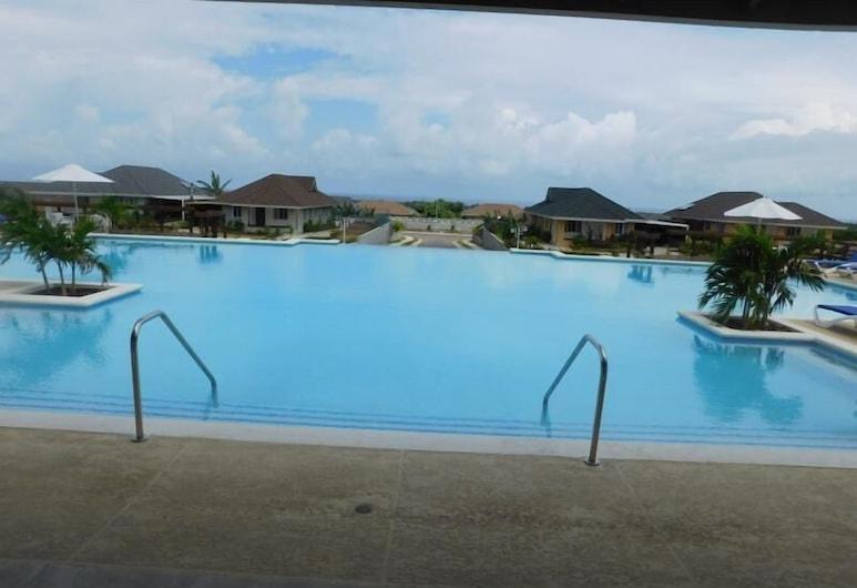 庫爾歇德 XI 號八河別墅酒店, 聖安灣, 室外泳池