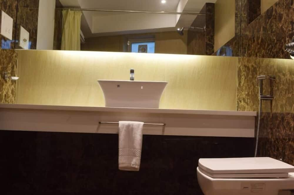 Executive Room, City View - Bathroom