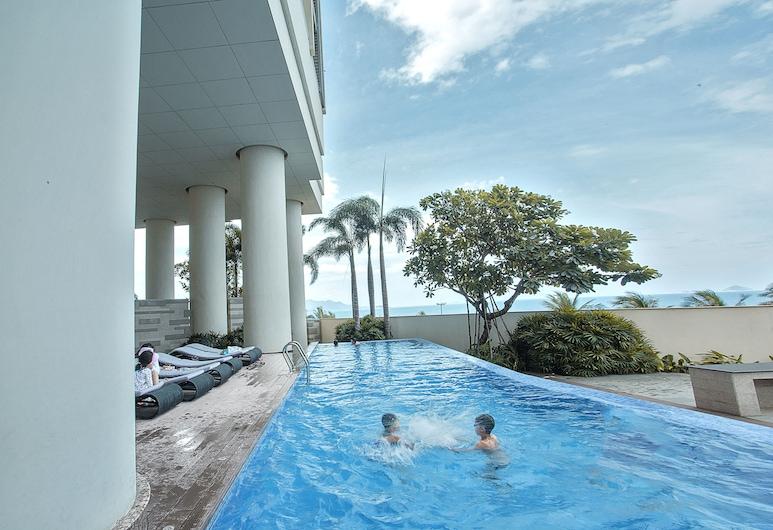 The Costa Serviced Apartment by SeaHoliday, Nha Trang, Piscine en plein air