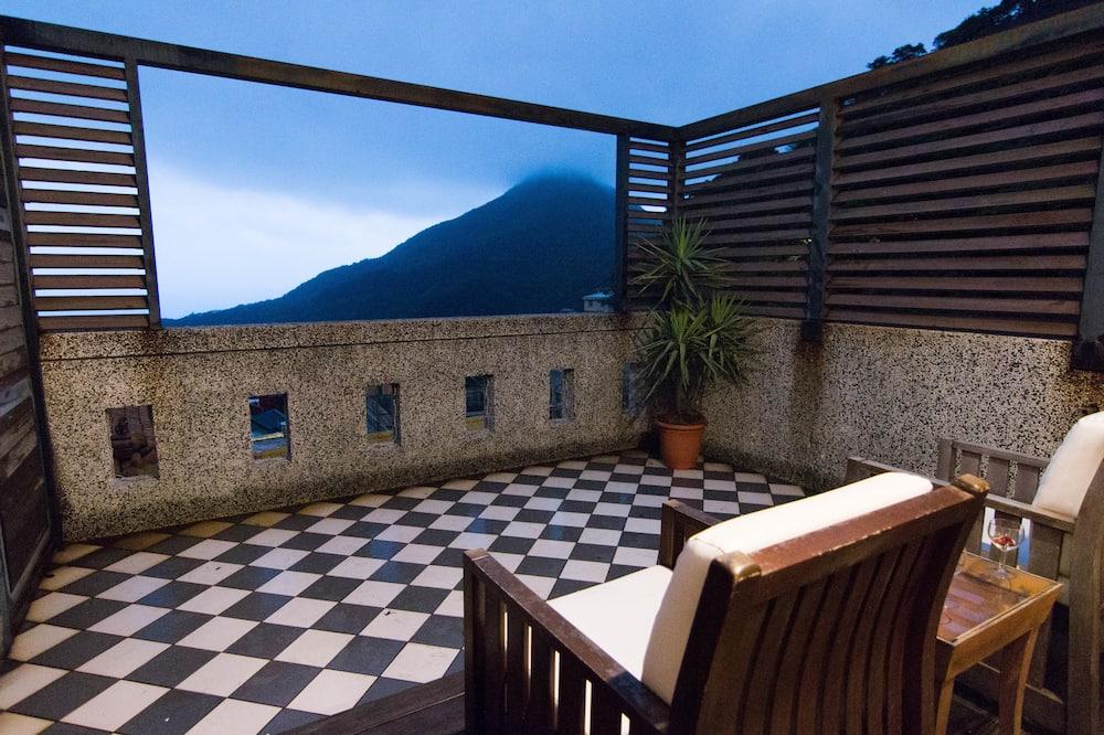 Superior Double Room, 1 Queen Bed, Balcony, Sea Facing - Balcony