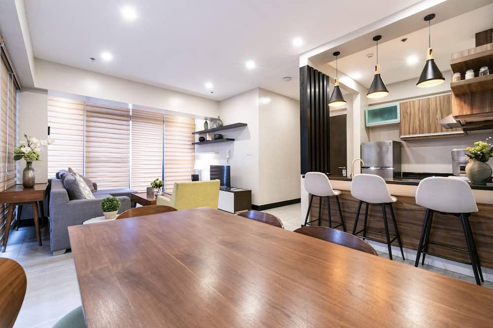 Penthouse (Suite) - Tempat Makan dalam Bilik