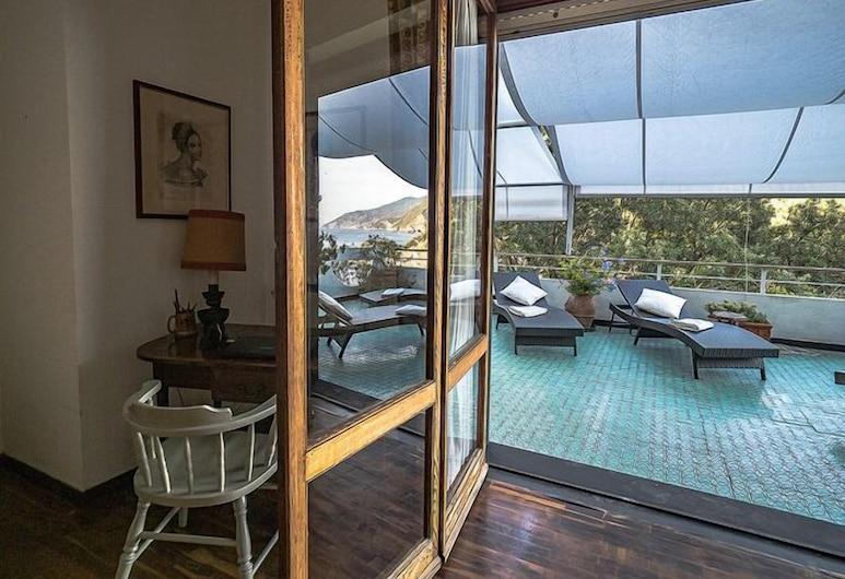Villa Tanca, Monterosso al Mare, Comfort Villa, 4 Bedrooms, Sea View, Terrace/Patio