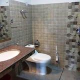 Deluxe-Doppelzimmer, 1 Doppelbett, Bergblick, Bergseite - Badezimmer