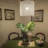 Comfort Duplex, 2 Bedrooms, Terrace - In-Room Dining