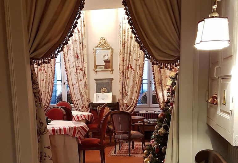 Hôtel Cardinal, Aix-en-Provence, Vnútorný vchod