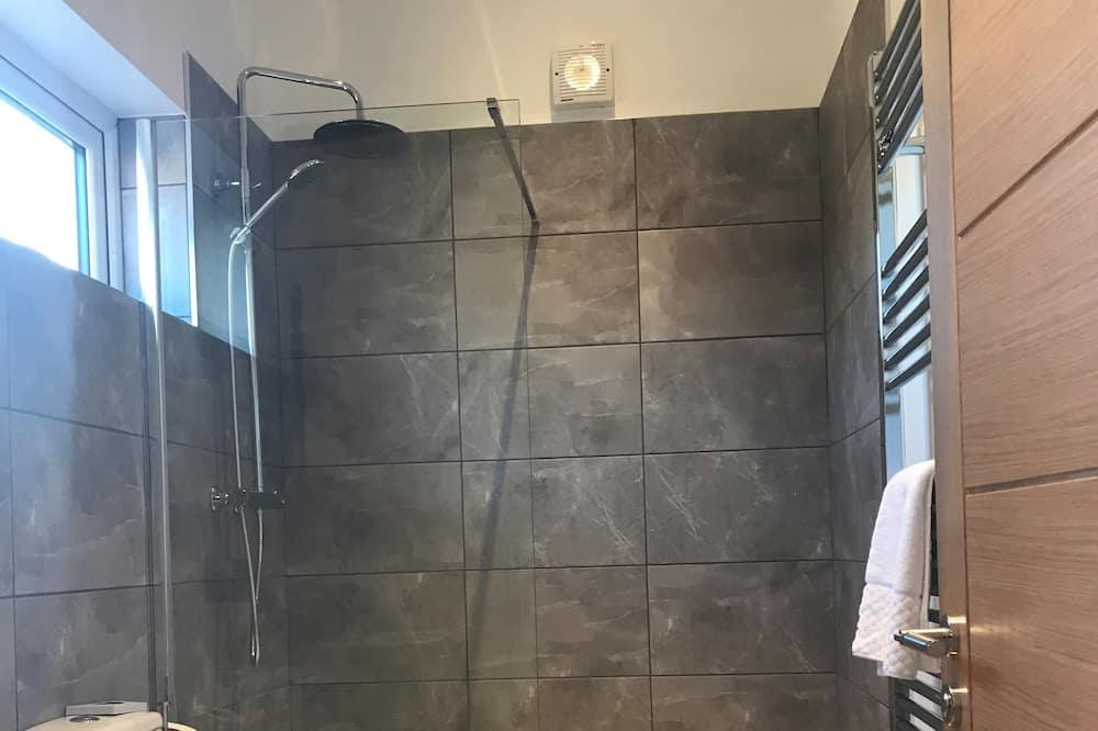 Номер «Делюкс» (1 двоспальне або 2 односпальних ліжка), приватна ванна - Ванна кімната