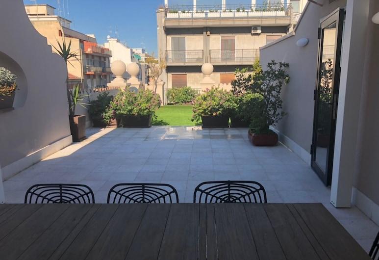 200 Rooms & Terrace, Bari, Terras