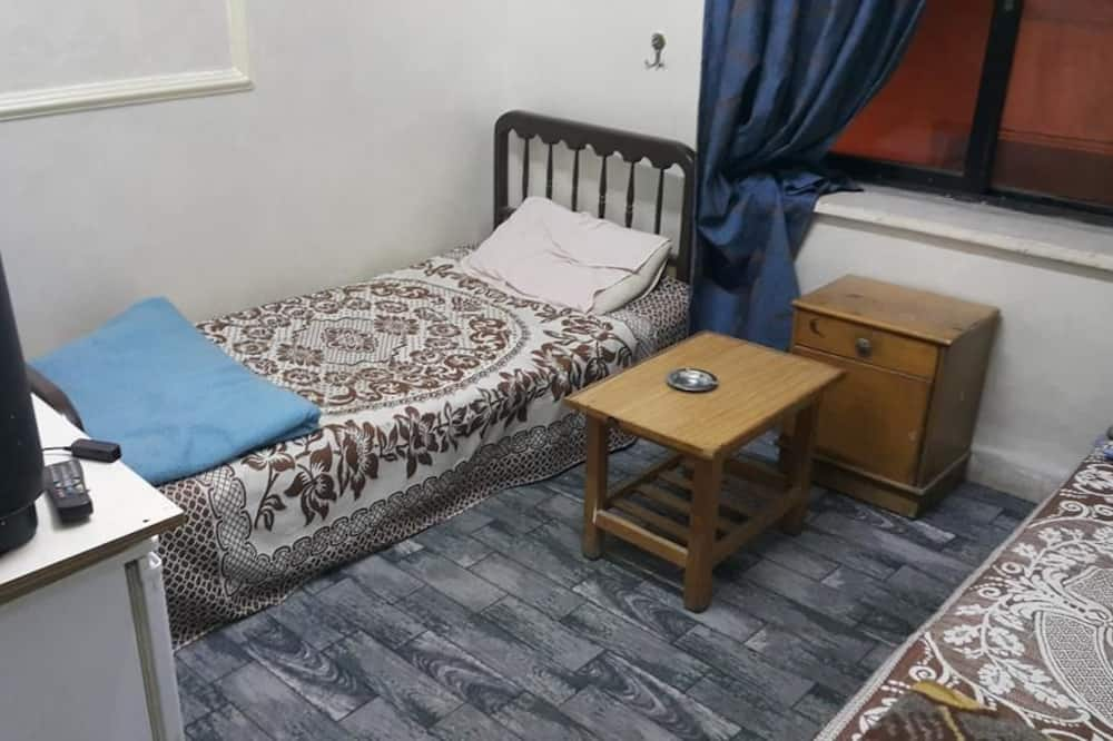 Al Adel Hostel