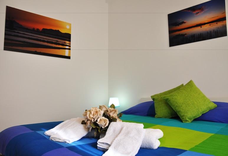 B&B MaryJosè, Trapani, Standardní pokoj s dvojlůžkem nebo dvěma jednolůžky, více lůžek, lednička, Výhled z pokoje