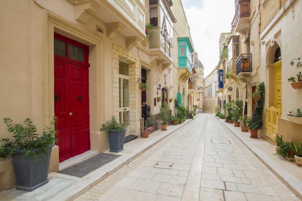 Apartment, 2 Bedrooms - Pemandangan Jalan