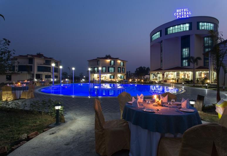 Hotel Central Plaza, Kohalpur, Baseinas