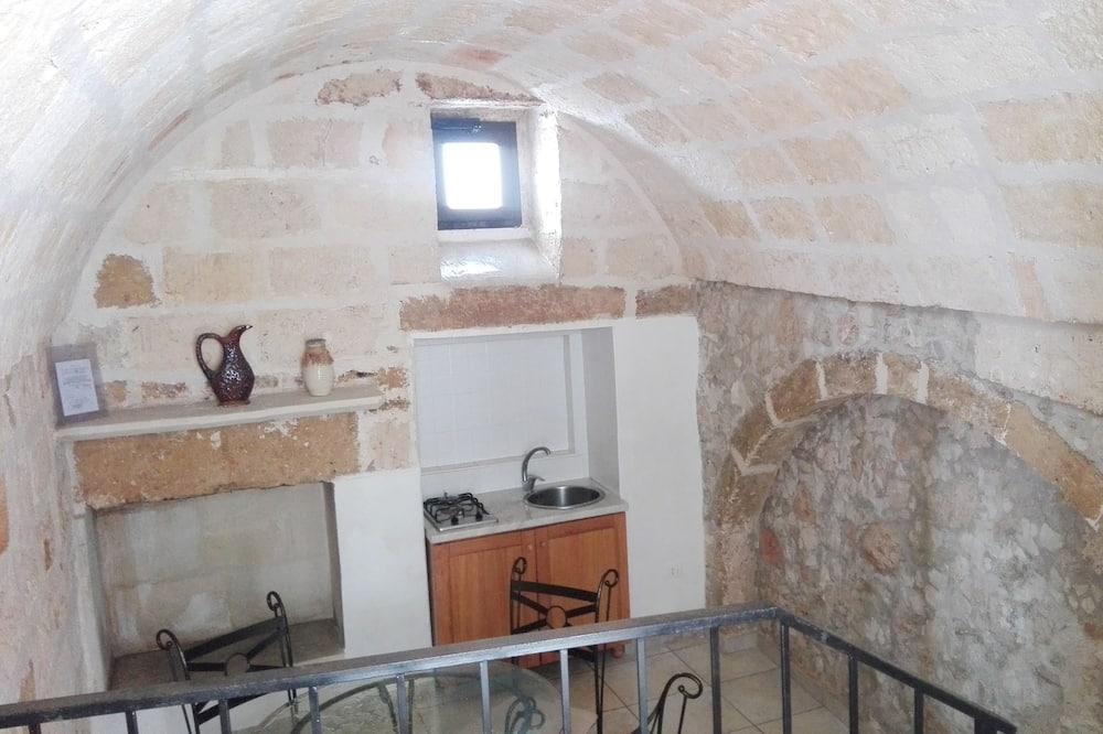 Традиционный двухместный номер с 1 или 2 кроватями, 1 двуспальная кровать «Квин-сайз» - Зона гостиной