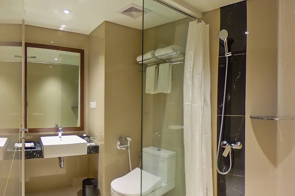 Deluxe Double or Twin Room, City View - Bathroom
