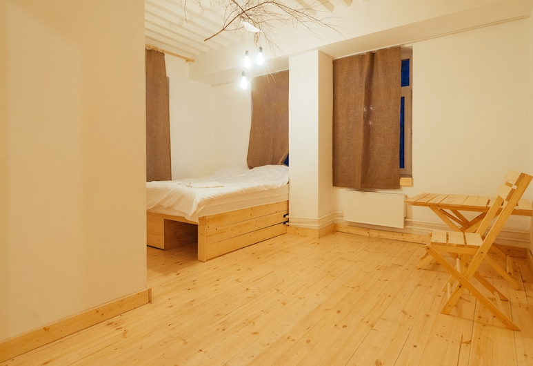 Roots and Moods Hotel, Moscow, Family Triple Room, Guest Room