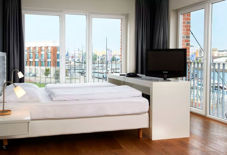 im-jaich OHG Boardinghouse, Bremerhaven, City Apartment, 1 Double Bed, Harbor View, Guest Room