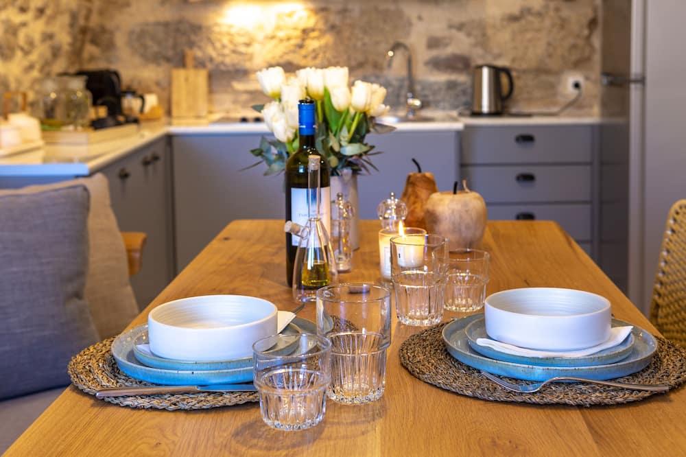 Athenee Residence - Servicio de comidas en la habitación