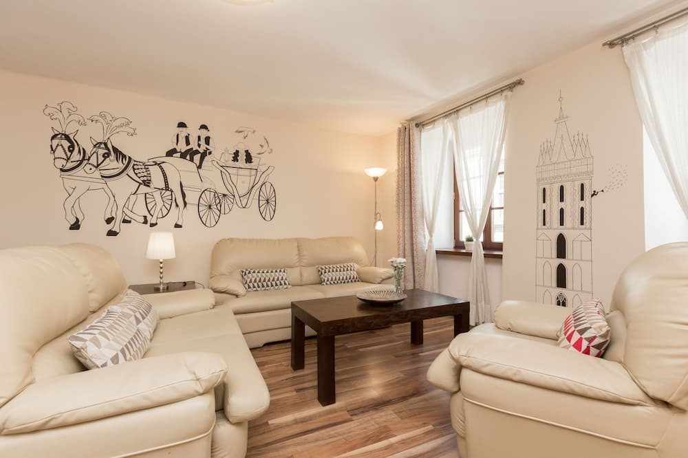 3-Room Apartment with Old Town View (Sw. Tomasza St.) #12 - Wohnzimmer