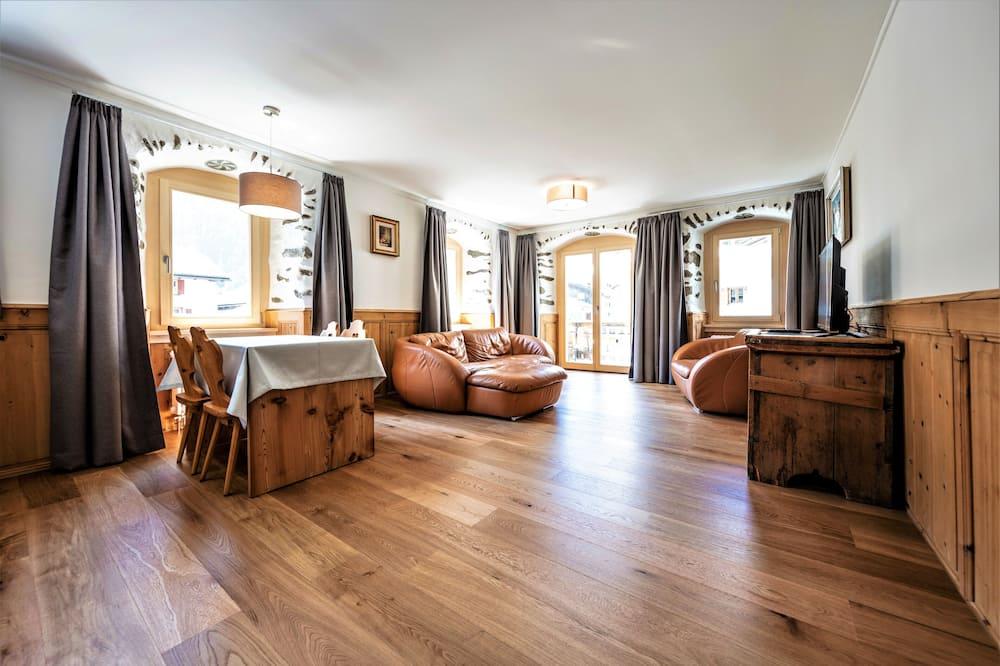 Superior Apart Daire, 1 Yatak Odası, Engellilere Uygun, Dağ Manzaralı - Oturma Alanı
