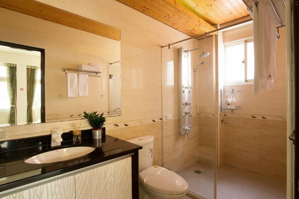 Τετράκλινο Δωμάτιο, Μη Καπνιστών, Θέα στην Πόλη - Μπάνιο