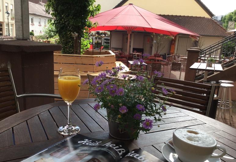 Hotel & Restaurant Badischer Hof, Bühl, Terrasse/Patio
