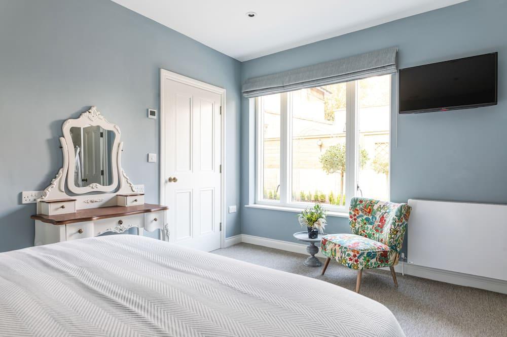 Garden Room - Guest Room
