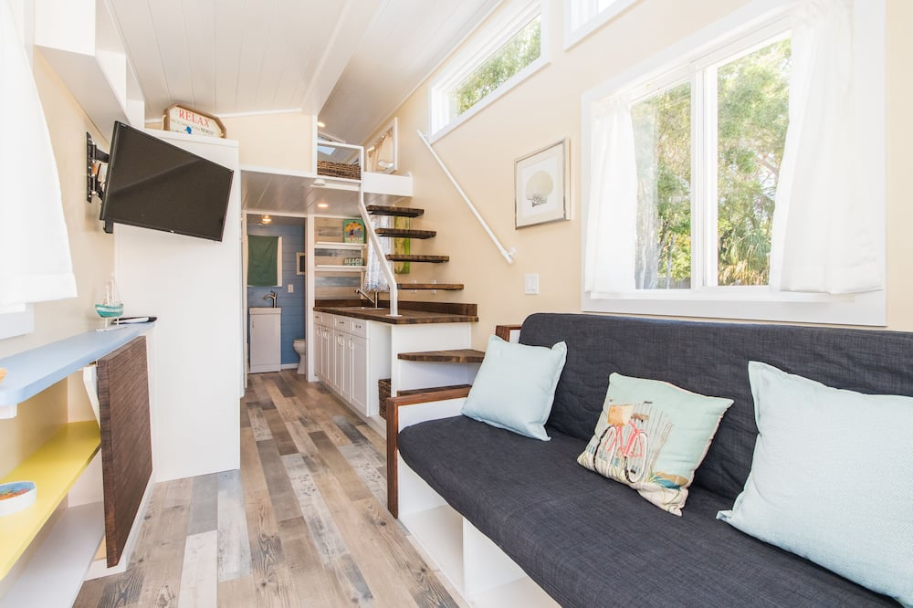 Cabin (Tiny House - The Siesta) - Living Area